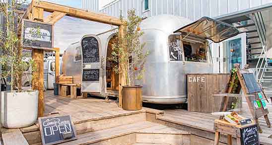 The AIRSTREAM GARDEN �\�Q��